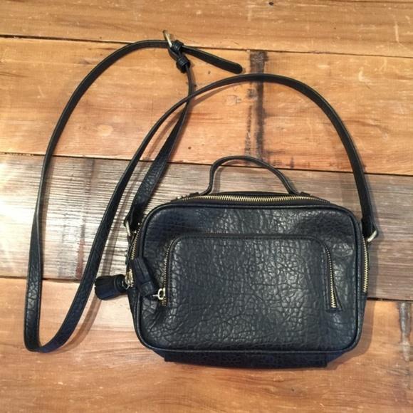 0b1758debc a new day Handbags - Target a new day Black Leather Dual Zip Crossbody